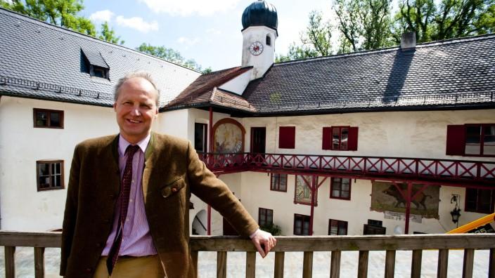 Schloss Elkofen bei Grafing: Graf von Rechberg ist der Eigentümer von Schloss Elkofen.