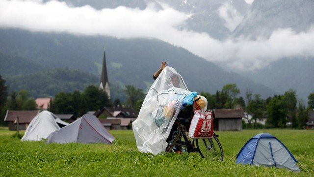 Protesters Seek To Disrupt G7 Summit