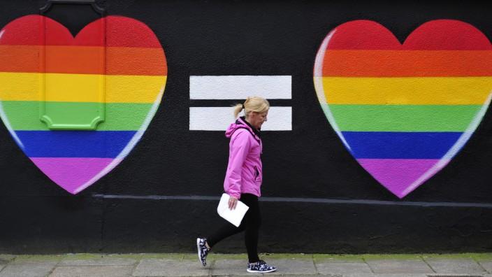Voting under way on same-sex marriage in Ireland