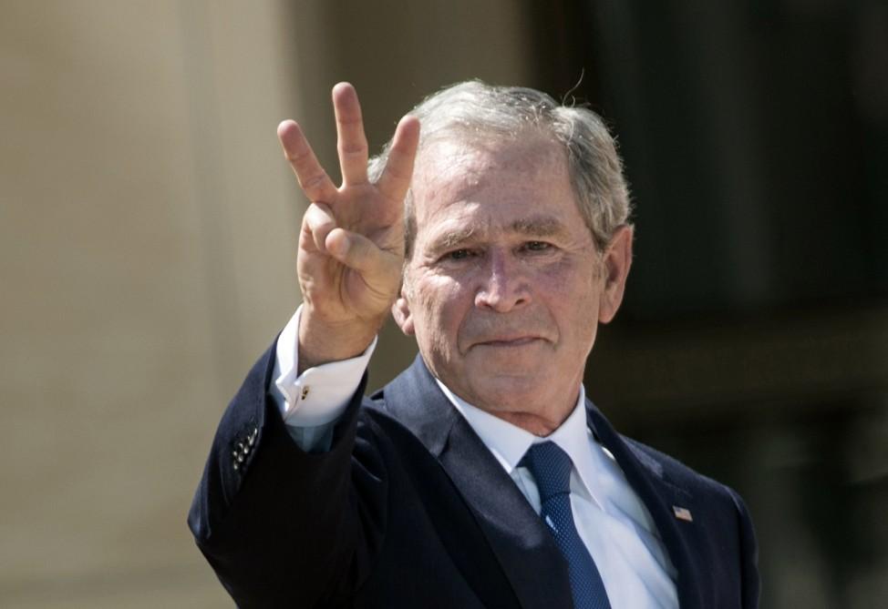 George W. Bush more popular than Obama: poll