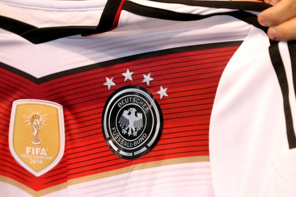 Fußballtrikot der Nationalmannschaft mit viertem Stern