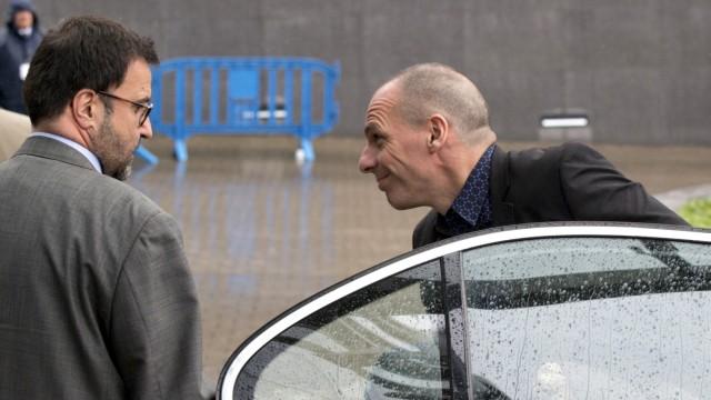Drohender Grexit: Griechenlands Finanzminister Yanis Varoufakis bei der Ankunft in Brüssel, wo über die Zukunft seines Landes gesprochen wurde.
