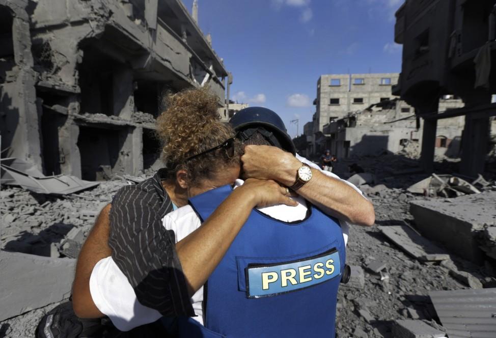 Heidi Levine und ihre Fahrer Ashraf Al Masri in Gaza-Stadt.