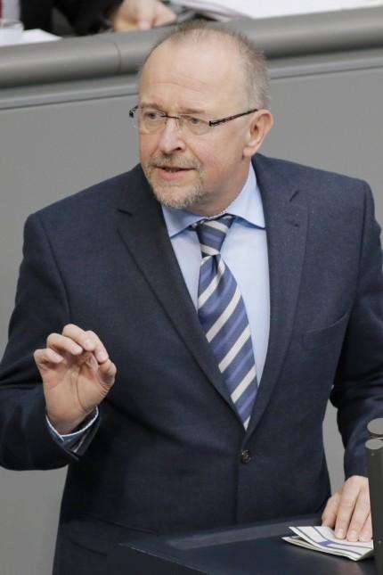 Berlin, Bundestag / Plenum. Der Bundestag entscheidet über weitere Milliardenhilfen für Athen. Foto: