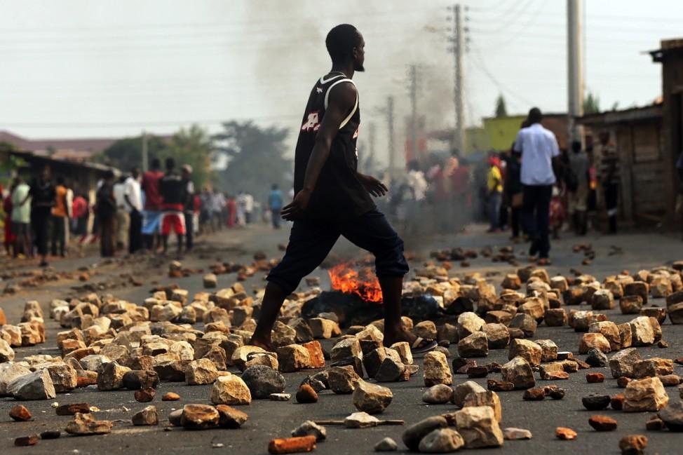 *** BESTPIX *** Political Unrest Plunges Burundi Into Crisis