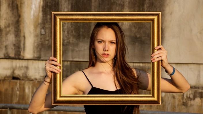 Leonie Benstetter in dem Fil ´Lost Picture`von Peter Ludwig