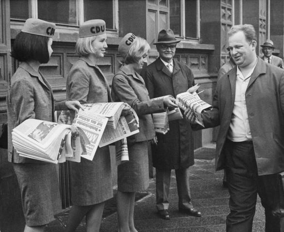 Wahlhelferinnen der CDU, 1964
