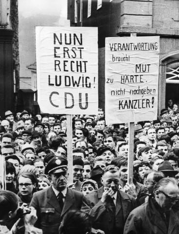 CDU-Anhänger demonstrieren gegen die Große Koalition, 1966