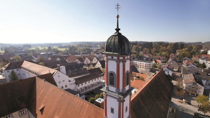 Bad Wörishofen: Ganz schön arm: Die Kurstadt im Allgäu erfreut sich wachsender Beliebtheit, 2014 kamen mehr als 130 000 Übernachtungsgäste. Aber die Stadtkasse ist trotzdem leer.
