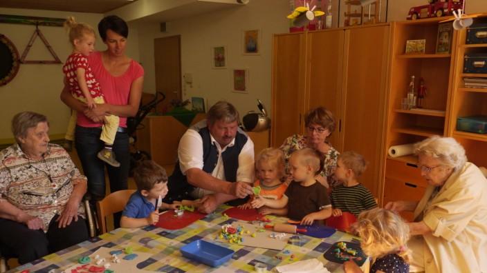 Bürgermeister besucht integrative Kindergruppe