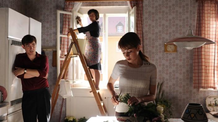 Let' s go - Gabi (Fabian Feder), Mutter (Naomi Krauss), Laura (Alice Dwyer)