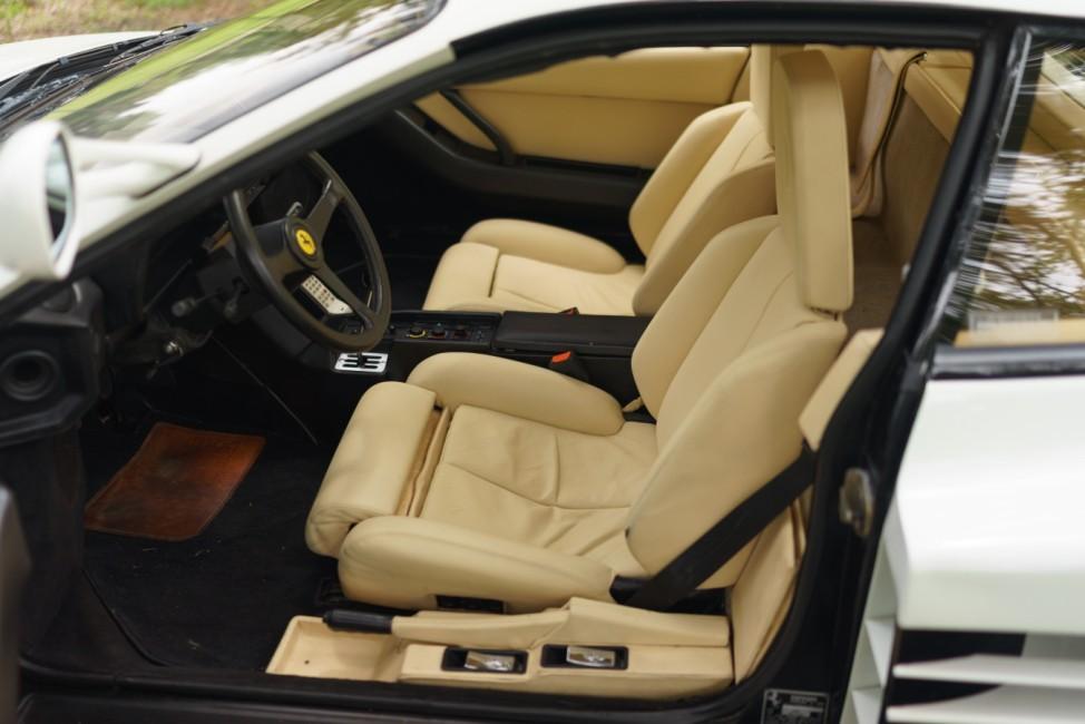 Die Ledersitze des Ferrari Testarossa aus Miami Vice