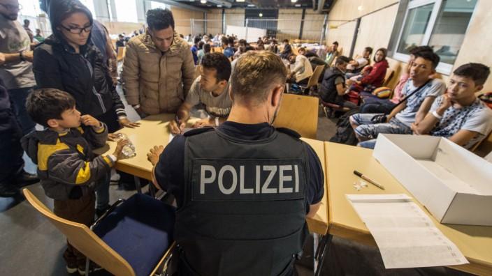 Bundespolizei überprüft Flüchtlinge