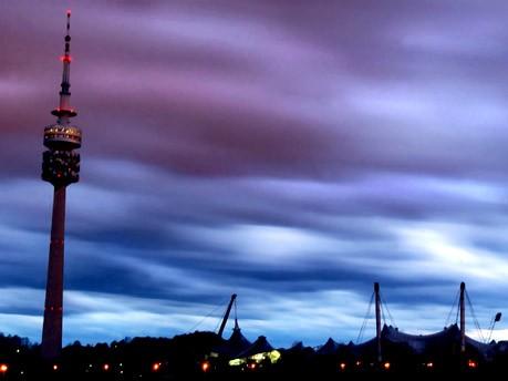 Fernsehturm bei Sturm