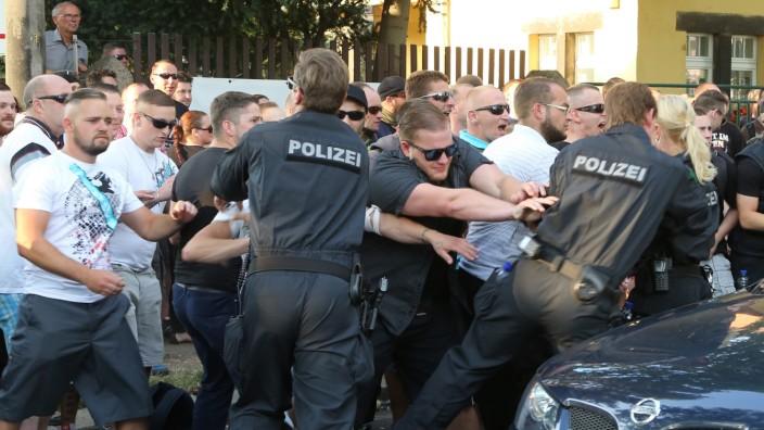 Notunterkünfte für Flüchtlinge in Dresden - Demonstration