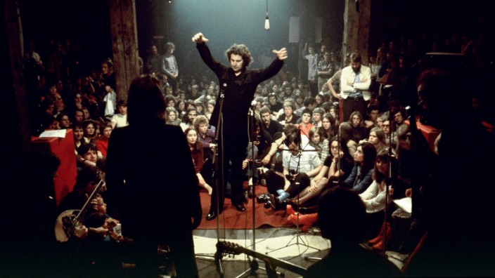Zum Tod von Mikis Theodorakis: Mikis Theodorakis bei einem Konzert in Hamburg 1971