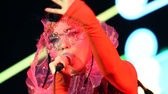 Björk tritt in Berlin auf