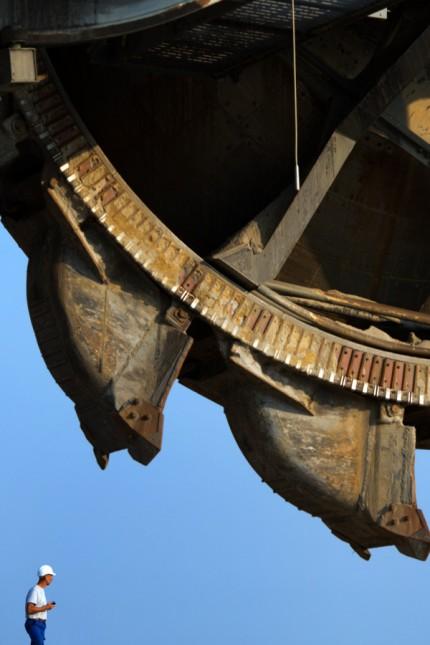 Tagebau Schaufelradbagger zieht um