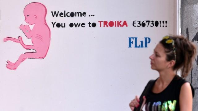 """Debatte zu Griechenland: Der Athener Straßenkünstler """"Flip"""" mit seiner Interpretation der Schuldenkrise"""