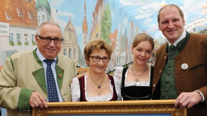 Toni Roiderer feiert 70. Geburtstag auf dem Oktoberfest in München, 2014