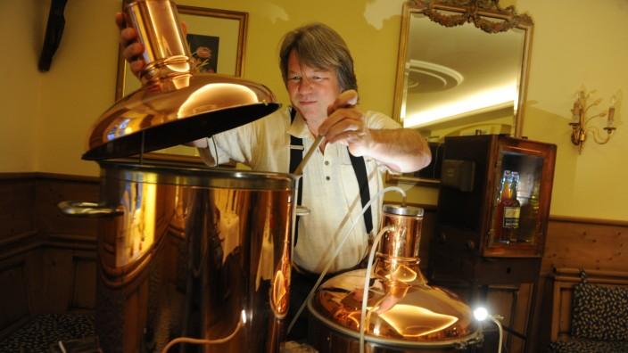 Bier aus der eigenen Küche: In Bierbrauerkursen könne Interessierte das Handwerk für den Hausgebrauch lernen.