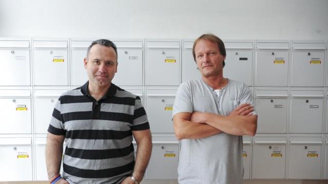 Schwabing: Sie wollen sich wehren: Gregor Farganis (links) und Michael Germann sind zwei betroffene Mieter - und gehen mit Nachbarn gegen die Kündigung vor.