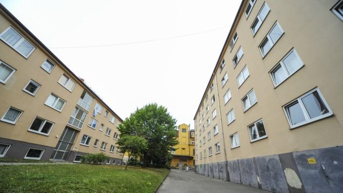 Schwabing: Die Wohnanlage Sailerstraße 11 soll abgerissen werden; ein vom Besitzer bezahltes Gutachten bestätigt die Notwendigkeit.