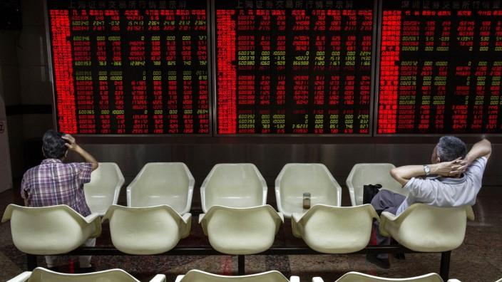 China Stock Markets Remain Volatile Amid Economy Fears