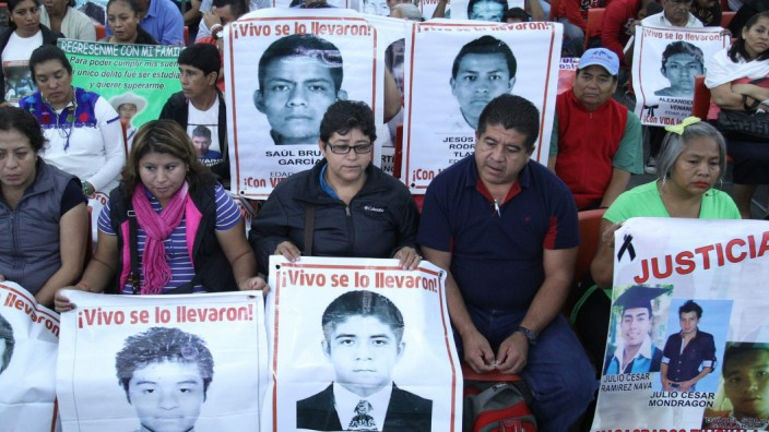 IACHR press conference on findings in Missing students case