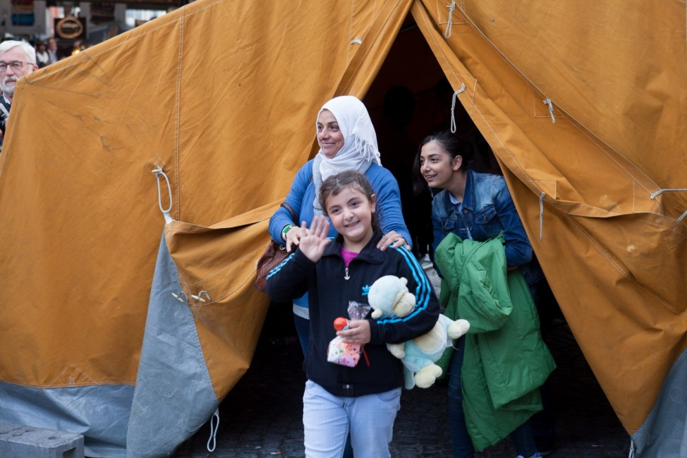 Flüchtlinge kommen aus Ungarn am HBF München an