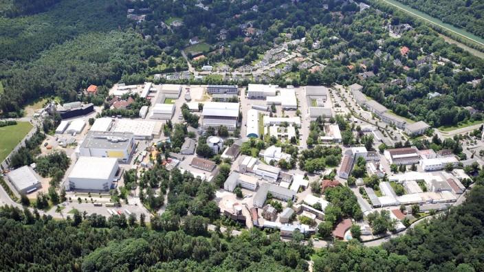 Luftaufnahme der Bavaria Filmstadt in Grünwald, 2008