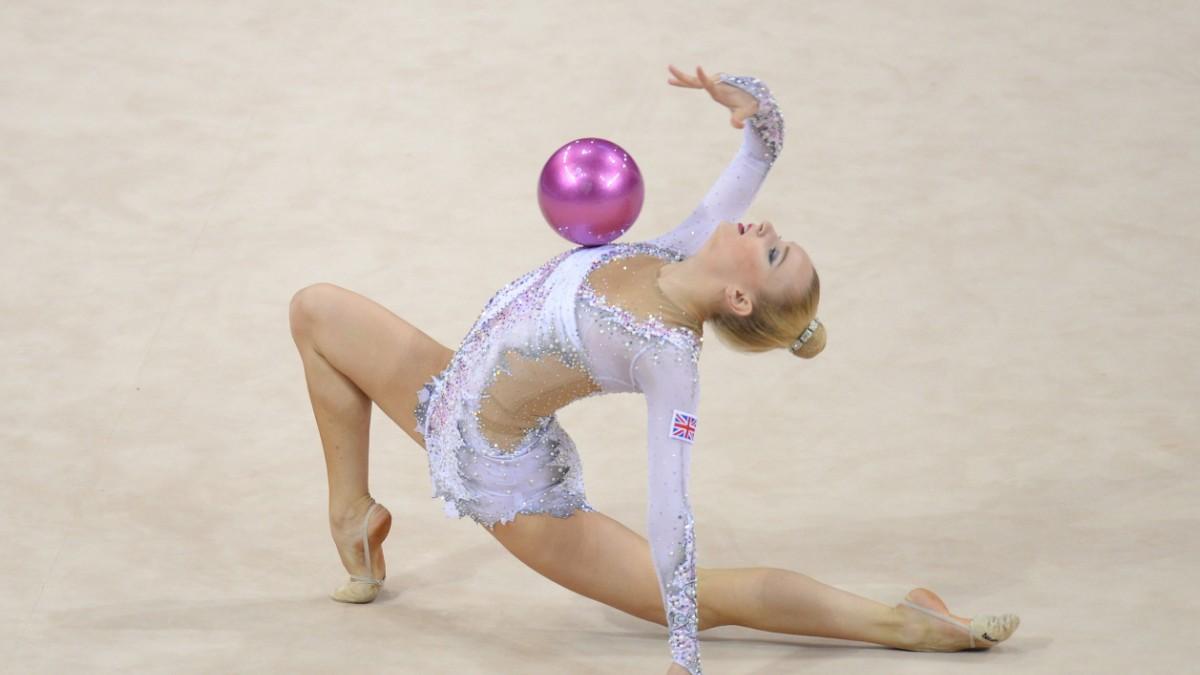 Nackt rhythmische sportgymnastik Gymnastik im