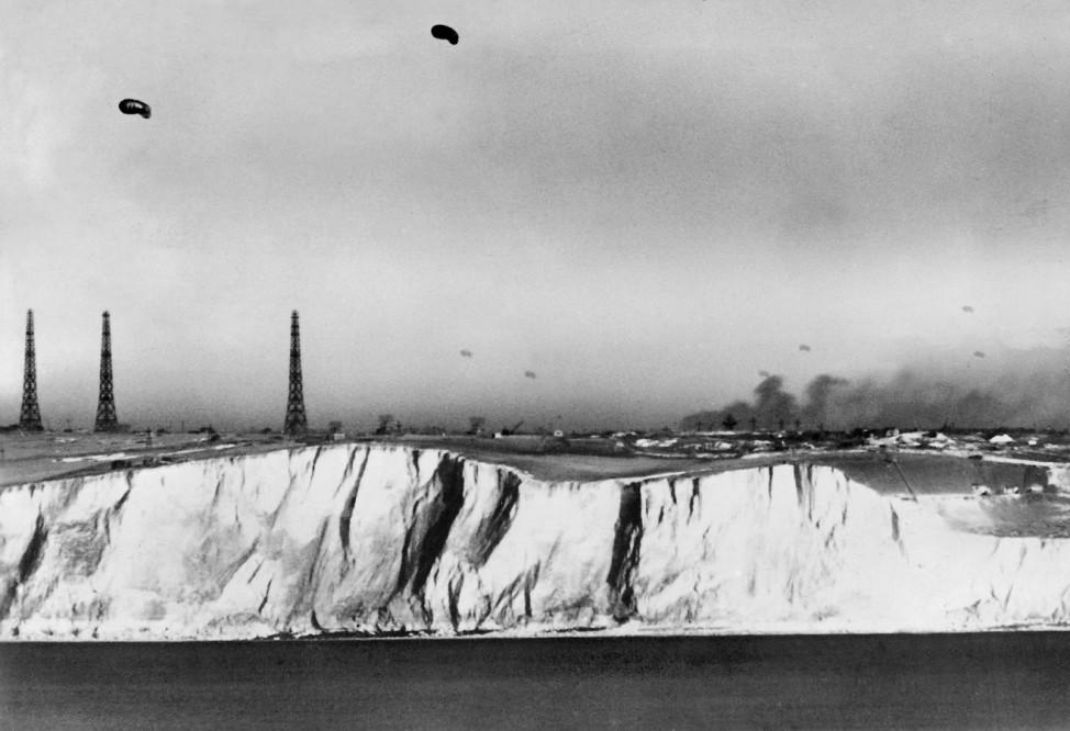 Kreidefelsen an der englischen Küste, 1940