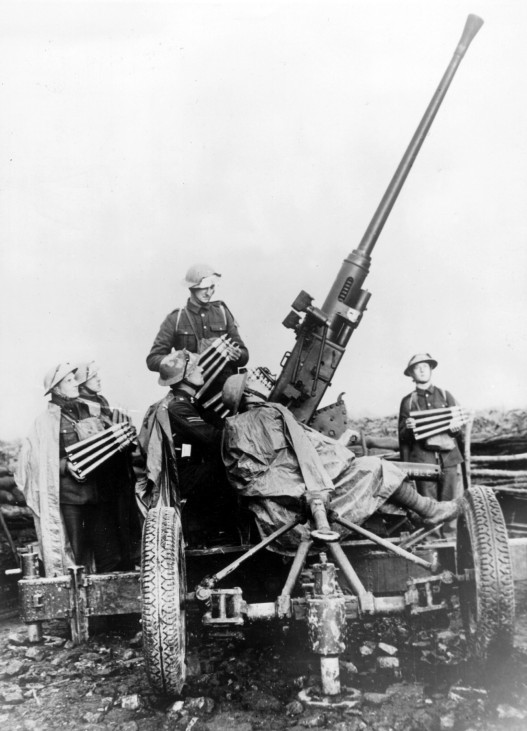 Britisches Flak-Geschütz, 1940