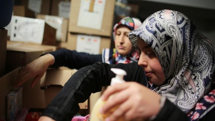Moscheegemeinden engagieren sich für Flüchtlinge