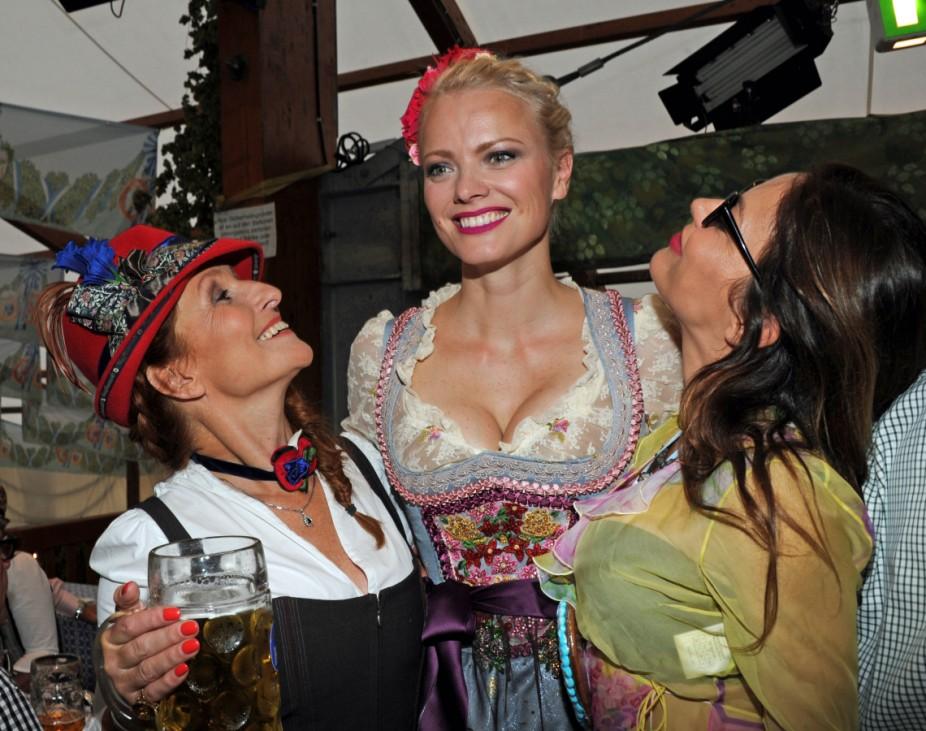 Oktoberfest 2015- Promi-Stammtisch von Birgitt Wolff