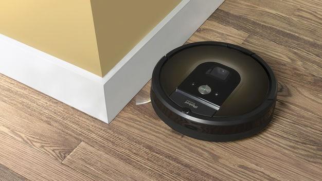 Haushaltsroboter: Dienstbarer Geist: Der Roboterstaubsauger von iRobot orientiert sich mit einer Kamera im Raum - in ihm stecken Erfahrungen aus der Militärtechnik.