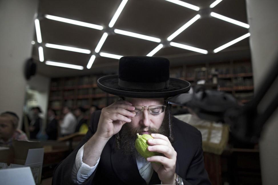 Preparations for Sukkot holiday in Jerusalem