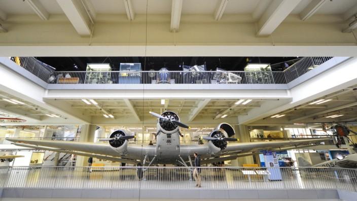 Deutsches Museum: Die alte Tante Ju ist für den Transport zu groß. Andere Flugzeuge ziehen in die Flugwerft nach Schleißheim um.