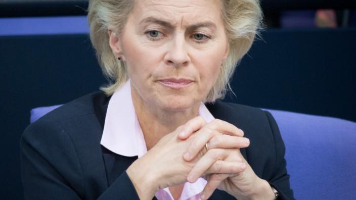 Verteidigungsministerin von der Leyen