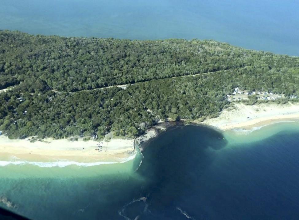 Massive sinkhole at Inskip Point Rainbow Beach, Queensland