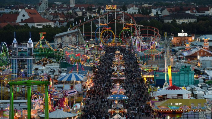 GERMANY-LIFESTYLE-BEER-FESTIVAL