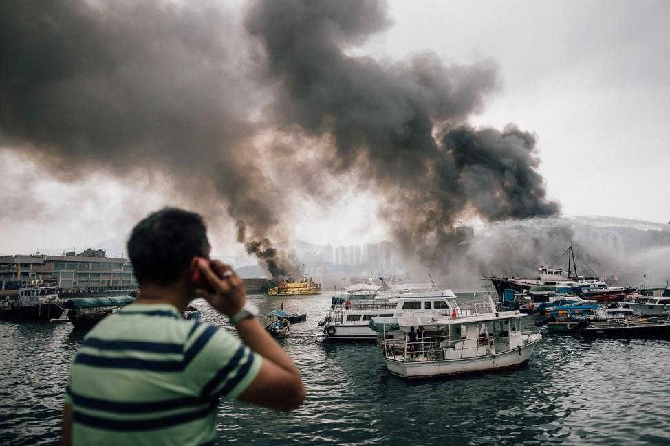 *** BESTPIX *** Boats Catch Fire At Hong Kong Typhoon Shelter