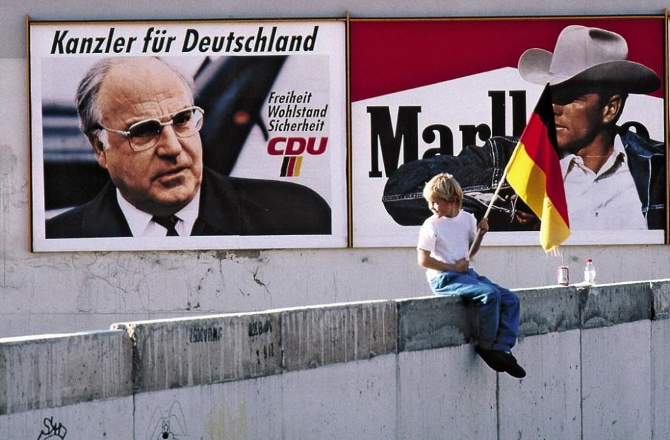 Wende in der DDR: Wahlkampfplakat an der Mauer; Budapest-Berlin, Mein Weg zur Einheit