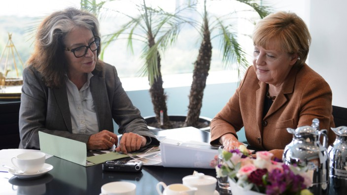 Angela Merkel und Evelyn Roll