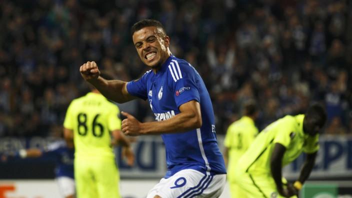 Schalke 04's Di Santo celebrates after he scored a goal against Asteras Tripolis during their Europa League group K soccer match in Gelsenkirchen