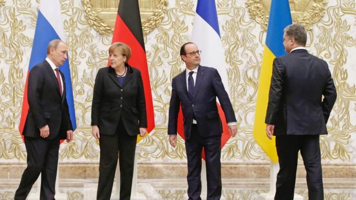 Hollande empfängt Staats- und Regierungschefs