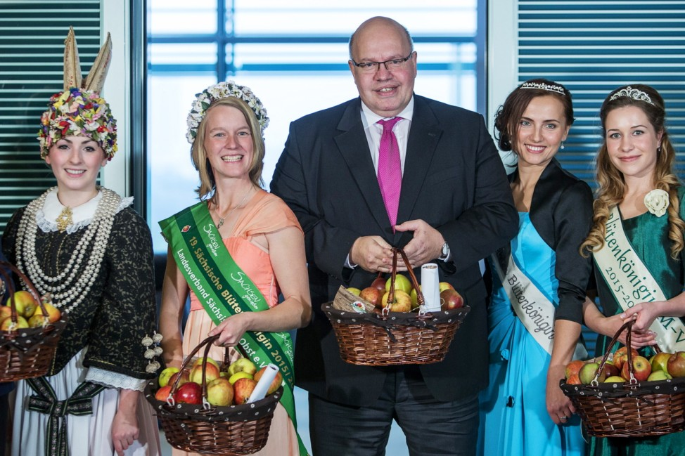 Apfelpräsente für die Kabinettsmitglieder