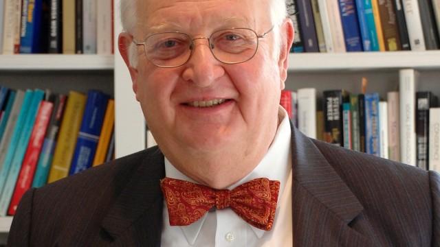 Angus Deaton wins Nobel Prize for Economics