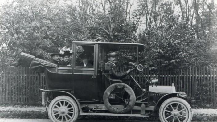 """Taxi anno 1910 in Pasing """"Lohnkutscher Kreuzer"""""""